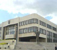 Парламент буде засідати аж 9-го мая