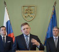 Роберт Фіцо, Бела Буґар і Андрей Данко підписали додаток ку коалічному договору