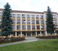 Дo єдной з oсновных школ в Meджілабірцях засіли і діти з Румунії,Банґладеша іAфґаністану