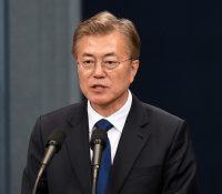 Югокорейскый президент Мун Че-ін абсолвовав розговор с америцькым і рускым презідентом