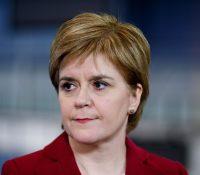 """Шкотьска премєрка Стурґеонова планує підпорити """"жывотні важных"""" робітників з ЕУ"""