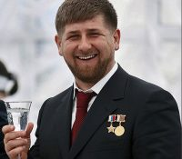 Кадыров є приготовленый абдіковати