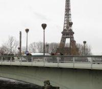 В Парижі жыє аж 3000 бездомовців