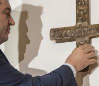 Баварії вырішыла о повинності осадити крижы над вступом до вшыткых штатных будинків