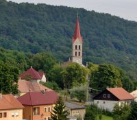 Najmenše misto na Slovakiji je Modrŷj Kamiň