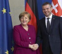 Одбыла ся стріча Пелеґрініго з Меркеловов
