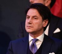 Новым італійскым премьєром ся став Джузепе Конте