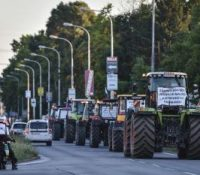 Пеллеґріні навщівить протестуючіх фармарів за тыждень