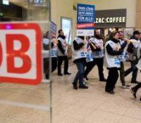 Робітникы німецькой жалізничной компанії Deutsche Bahn штрайкували