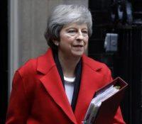 Посланці Долной снімовні британьского парламенту пропозицію свойой премьєркы одобрили