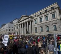 Опозиція в Іспанії є против самостатному Каталанску