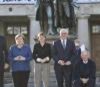 Меркелова і Штаймаєр здали честь ваймарьскій уставі