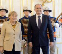 Презідент СР Андрій Кіска передав нїмецкій канцеларцї Анґелї Меркел найвысше штатне вызнаменаня