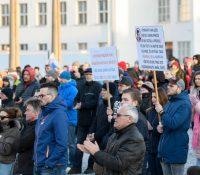 Одборари рихтують протесты на выходї Словакії. Прічінов суть низкы платы