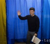 Порошенко і Зеленскый ся догодли, же 19. апріля собі пронаймуть олімпійскый штадійон в Києві, де ся одбуде предволебный дуел