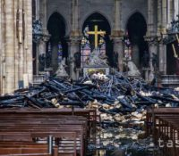 """Макрон приобіцяв, же катедрала Нотре -Даме буде обновена """"в часі пятьох років"""""""