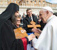 Папа Франціск поблагословив Русинам ерб і крест