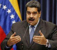 Мадуро вызвав озброєны силы, жебы ся поставили пучістом