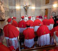 Італійскы священикы будуть мати моралну повинность наголосити знеужываня дорослых