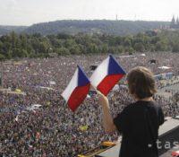 В Празі ся одбыла найвекша демонштрація од 1989-го року