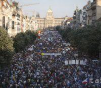 В Чехії ся одбыла єдна з найвекшых демонштрацій по 1989-ім року
