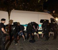 В Братіславі ся одбыла громадна битка заграничных футбаловых фанушіків