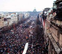 На ославы выроча Ніжной револуції ся мине 1.808.000 евр