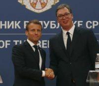 Mакрон обіцять поміч при ожывліню розговорів меджі Сербійов і Косовом