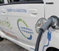 Гуменне хоче електричну набиячу станіцю про електромобілы