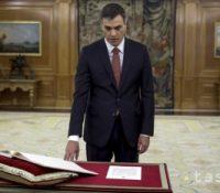 Іспаньскый урядуючій премєр ся снажыть выгнути новым парламентным вольбам