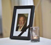 Мілош Земан нагородить на будучій рік покійному співакові Карлові Ґоттові Орден білого лева ін меморіам