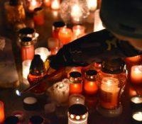 При палїню свічок на цінтерёх треба звышыти внимавость