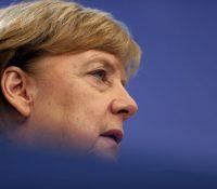 Меркелова ся стрітить з Путіном