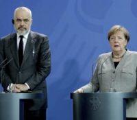 Меркелова хоче приступовы їднаня з Албанійов і Севернов Македонійов