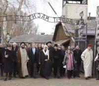 Мусулманьскы лідры навщівили польскый Аушвіц