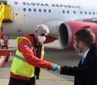 З Летіска М. Р. Штефаніка в Братіславі одлетіли першы доволенкарі