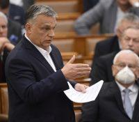 Орбан в писмі протестовав проти тверджінь, же собі укріпив власти