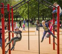Дїти ся можуть грати на грісках, но мусять дотримовати превентівны гіґіенічны крокы