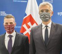 Словакія выгостила трьох російскых діпломатів