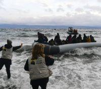 Ґреція пересувать міґрантів на певнину, жебы злїпшыла условія в таборах