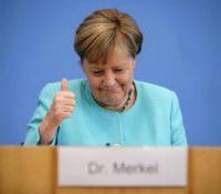 Mеркелова перед одходом з функції навщівить Україну