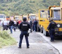 Сербы заблоковали на севері Косова драгы ведучі к єдиным двом граничным переходом зо Сербійов
