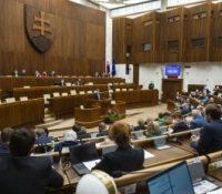 Продовжує 13-ый день їднаня 40. засіданя парламенту